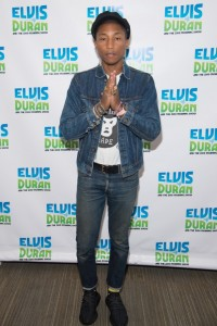 Pharrell-Williams-Apple-watch-Levis-jacket-Yeezy-Boost-350-sneakers-640x961