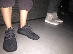 yeezyboost350再販?pirate black5
