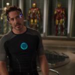 *アイアンマン、トニー・スタークの光るアーク・リアクターTシャツ*